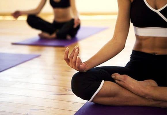 йога от геморроя
